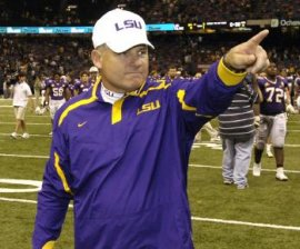 Les Miles pointing